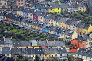 Les maisons colorées de la rue Condorcet en centre ville